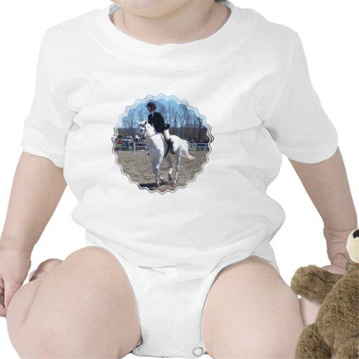 Camiseta del bebé de la demostración del caballo