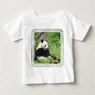 Camiseta del bebé de la panda