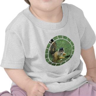 Camiseta del bebé del mono de ardilla