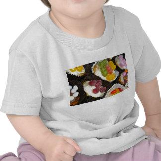 Camiseta del bebé del surtido de la magdalena