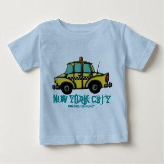 Camiseta del bebé del taxi del inspector de NYC Playera Para Bebé