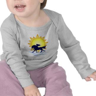 Camiseta del caballo del tiempo de verano