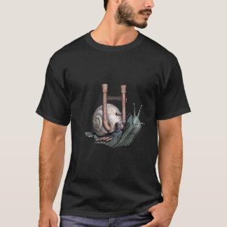 Camiseta del caracol de la máquina de Steampunk