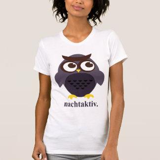 """Camiseta del chica de """"Nachtaktiv"""" del búho"""