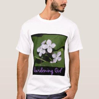 Camiseta del chica el cultivar un huerto de flores