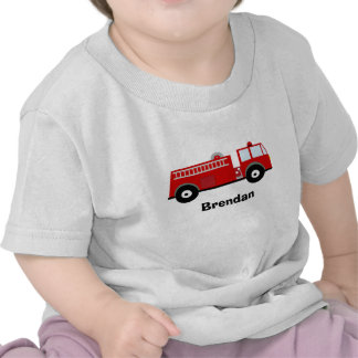 Camiseta del coche de bomberos de los muchachos