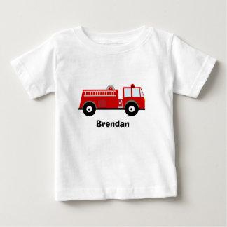 Camiseta del coche de bomberos de los muchachos playeras