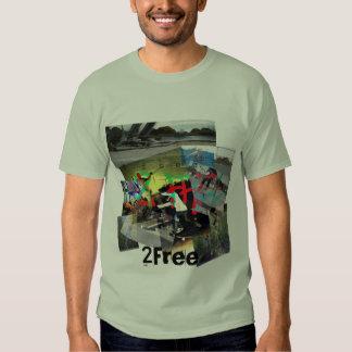 camiseta del collage 2Free Playeras