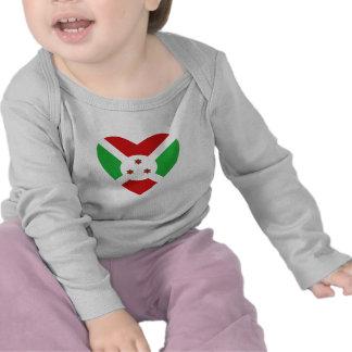 Camiseta del corazón de la bandera de Burundi