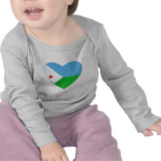Camiseta del corazón de la bandera de Djibouti