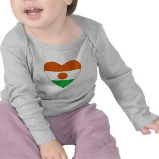 Camiseta del corazón de la bandera de Niger