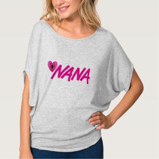 Camiseta del corazón de la flor de Nana Camisas