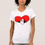 Camiseta del corazón del pingüino