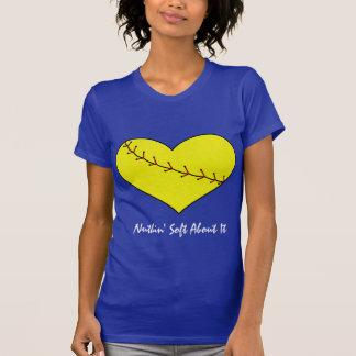 Camiseta del corazón del softball de Fastpitch