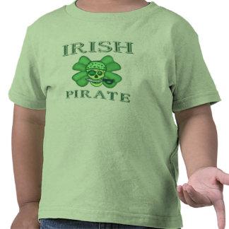 Camiseta del cráneo del pirata del día de St
