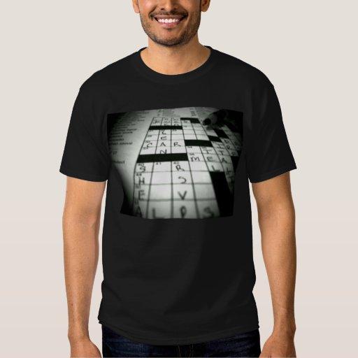 Camiseta del crucigrama de los hombres poleras