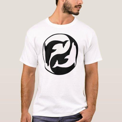 Camiseta del delfín de Yin Yang
