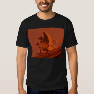 camiseta del diseño arquitectónico del grifo playeras