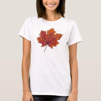 Camiseta del diseño de la hoja de arce