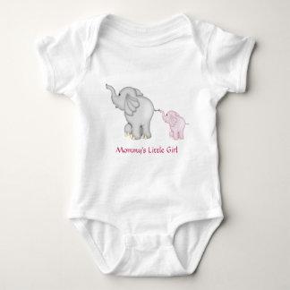 Camiseta del elefante de la niña de la mamá