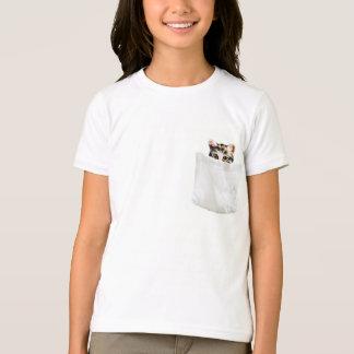 Camiseta del gatito del bolsillo