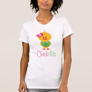 Camiseta del look de capas de Lits del polluelo