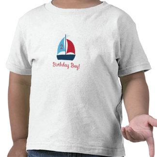 Camiseta del muchacho del cumpleaños del velero