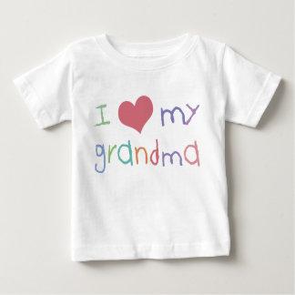 Camiseta del niño de la abuela del amor de los playera