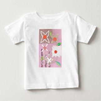 Camiseta del niño de la cadena de margaritas playeras