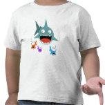 Camiseta del niño de la diversión del tiburón