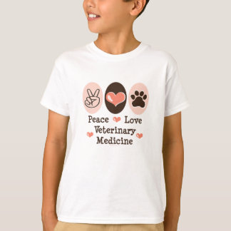 Camiseta del niño de la veterinaría del amor de la