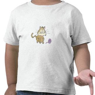 Camiseta del niño del gato y del hilado