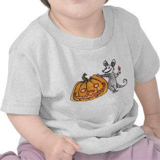 Camiseta del niño del oposum de la Jack-o-Linterna