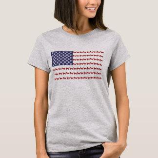Camiseta del perro de la bandera americana