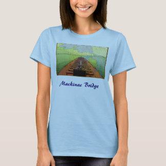 Camiseta del puente de Mackinac con la nave y la