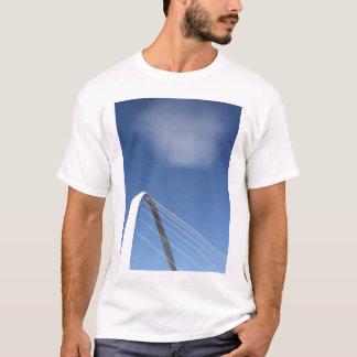 Camiseta del puente del milenio