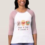 Camiseta del raglán del ganchillo del amor de la p