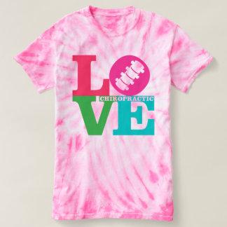 Camiseta del teñido anudado de la quiropráctica playera