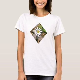 Camiseta del Wildflower del Bloodroot