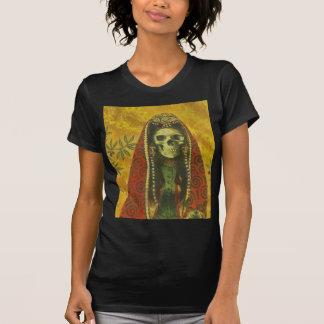 Camiseta destruida bruja de la muerte