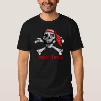 Camiseta destruida buceador del pirata playeras