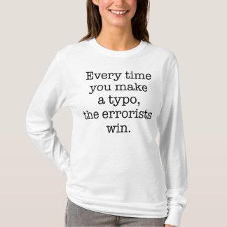 Camiseta divertida del error tipográfico de la