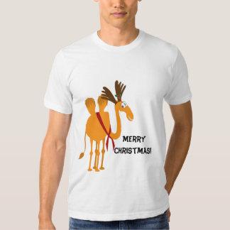 Camiseta divertida del navidad - camello en juego remera