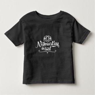 Camiseta divertida del niño de la cita de Namaste Playera