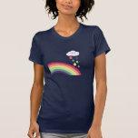 Camiseta dulce del arco iris y de la nube