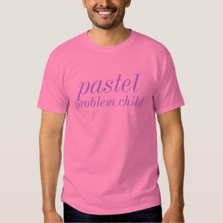 camiseta en colores pastel del niño del problema playera