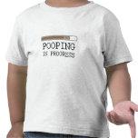 Camiseta en curso del bebé de Pooping