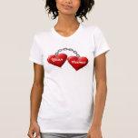 Camiseta encadenada de los corazones