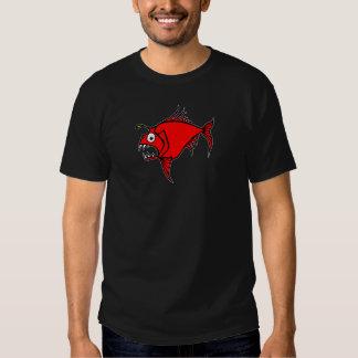 Camiseta enojada del rojo de los pescados playera