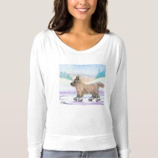 Camiseta envuelta larga con el patinaje de hielo
